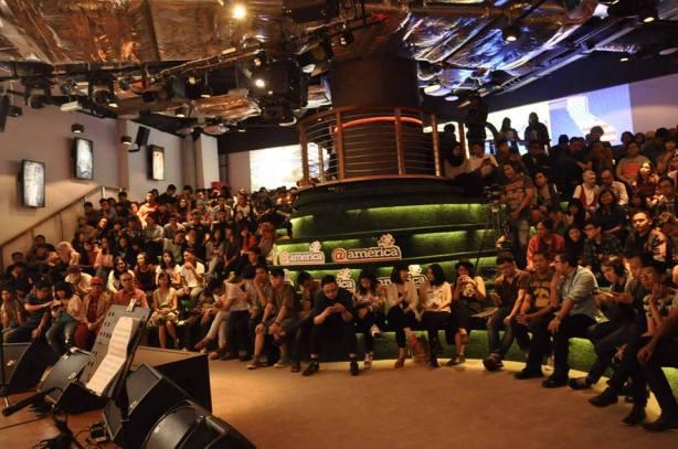 Penonton konser Sounds Of Saturdat di @atamerica (Foto @atamerica)