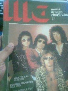 Majalah MG edisi no 12 tahun 1976  dengan cover Queen (Foto Denny Sakrie)